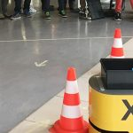 HNF Museumsfest - Kinder steuern mobilen Roboter X3 um Verkehrskegel
