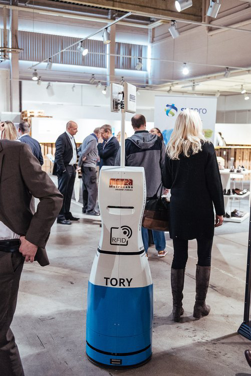 RFID Inventur-Roboter auf dem ANWR Zukunftsforum