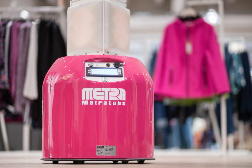 Inventory Roboter TORY von MetraLabs im Adler Einkaufsmarkt