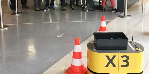 """Volle Fahrt"" beim HNF-Museumsfest – Kinder steuern mobilen Roboter X3"